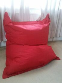 beautiful bean bag (red) 1m x 1.5m - £15 only