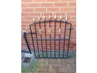Metal fence 1/2 inch thick steel good condition