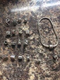 Pandora bracelet with 16 charms *GENUINE*