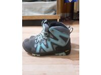 girls Boreal hiking boots, size 1, amazing condition, walking, winter boots