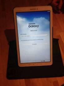 Samsung galaxy Tab E, White