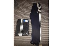 Adidas Trackies - Brand New - SIZE Medium
