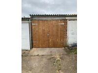 Single garage in Romford RM5 to let. Parking or storage 24 hour access