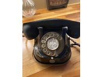 Antique telephone in working order