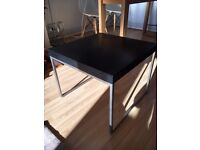 Pair of coffee table, stylish and solid