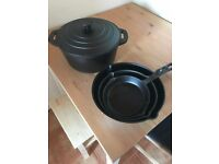 VonShef Black Pre-Seasoned Cast Iron Casserole Dish & 3 Skillets