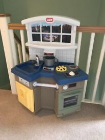 Little tikes country kitchen... pick up from Oreston.