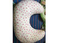 Breastfeeding pillow like new.