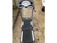 Horizon Fitness Motorised treadmill. Running machine, Electric incline, Heart rate etc.