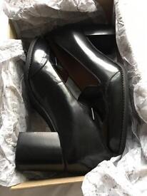 Women's Clark's Black Leather Shoe