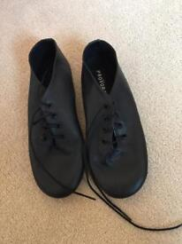 Brand new size child 13 Jazz shoes