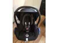 Maxi Cosy car seat in excellent condition also has a rain cover £40 ono