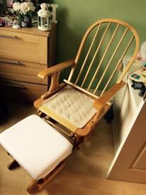 Rocking/nursing chair