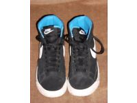 Nike Blazer MID Vintage GS Kids Boys Girls 539929/014 HI TOP Black/White Suede SIZE UK 5 EU 38