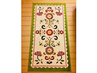 Very nice COLOURFUL MEDIUM-SIZE RUG at a very low price!!!