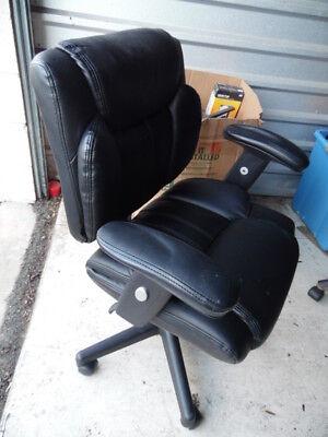 Black Patent Leather Office Desk Chair Armchair Swivel Adjustable Telford Ii