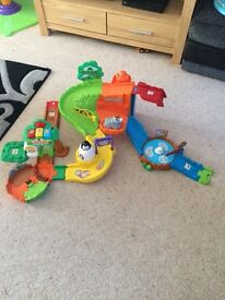 V tech toot toot safari playset