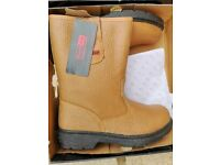 Brand new Rigger Boots size 9 UK (Eur 43}