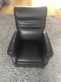 Child's faux leather recliner in black