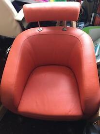 Retro tub chair