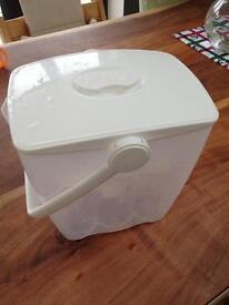 Milton water steriliser box