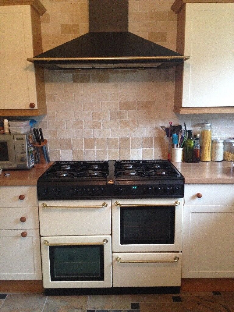 Belling gas range cooker and hood