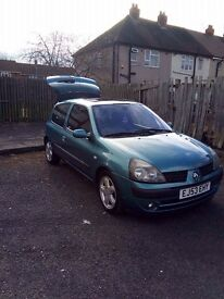 Renault Clio 1.4 Vauxhall corsa fiesta ford