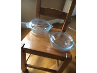 SET OF TWO GLASS CASSEROLE DISHES