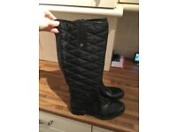 Fashionahle wellies size 5 great condition