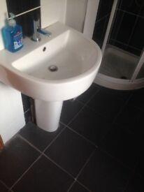 White Bathroom Suite - Good Condition