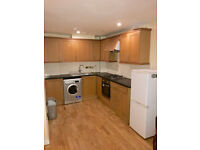 Three Bed Flat to rent with Car Park-Punam Apartments-Flat 19
