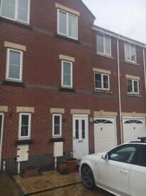 4 Double rooms to rent in modern, City Centre town house