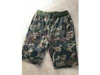 Men's Illusive camo shorts size S
