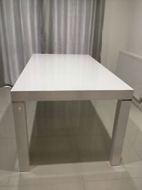 Dining Table - Rectangle - White Gloss