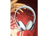 DR DRE BEATS SOLO 2 ON EAR HEADPHONES *perfect condition*