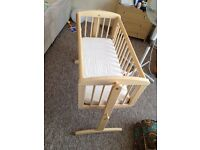 Excellent Baby Crib Swinging (Mothercare) FREE Mattress PET & SMOKE FREE-- £35