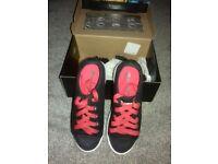 Kids Heelys x2 size 2 like new