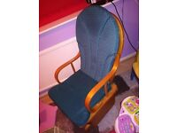 Gliding/nursing chair