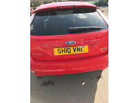 Ford Focus Zetec 1.6 RED Petrol sat nav, tinted windows and bluetooth mint condition