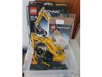 Lego Technic 2 in 1 Excavator (42006)
