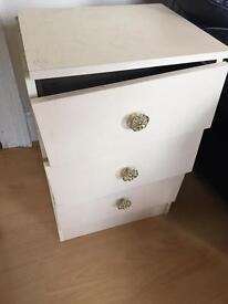 Broken bedside table, set of drawers, project