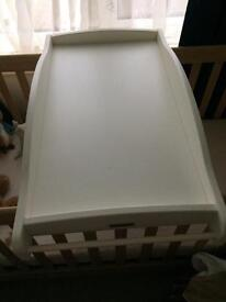 Cot bed top changer
