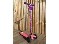 Lovely Maxi Micro Scooter - pink/purple with decorative flower, sleeve & bottle holder