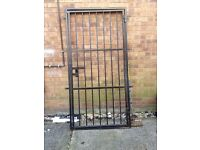 IRON GATE 40x80