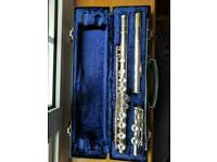 Boosey & Hawkes Buffet 400 flute with 5 beginners books
