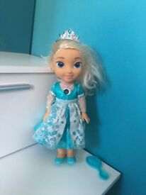 Elsa singing doll