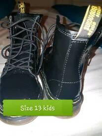 Girls boots Dr martens