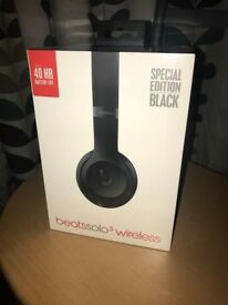 Dre Beats By Apple Solo 3 wireless headphones