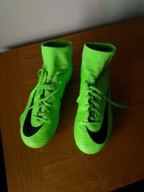 Fluoro green moulded stud boots size 5.5 (adult)
