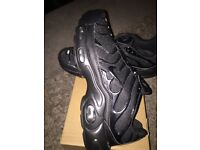 Nike tns trainers black size 9 brand new £30